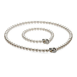 Freshwater Pearls Necklace and Bracelet Set