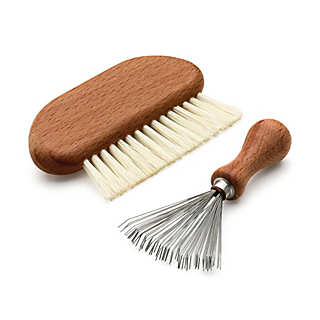 Set of comb and hairbrush cleaners