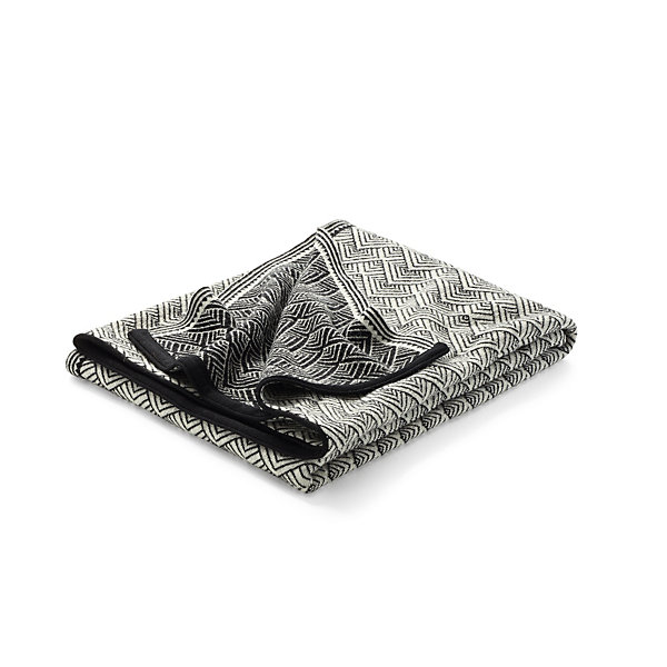 Jacquard-Knitted and Waulked Blanket with Folding Fan Pattern_01