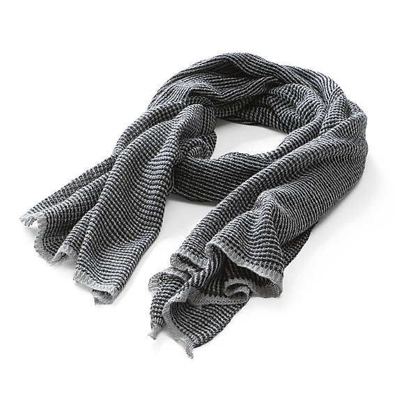 Hannes Roether Men's Scarf_01