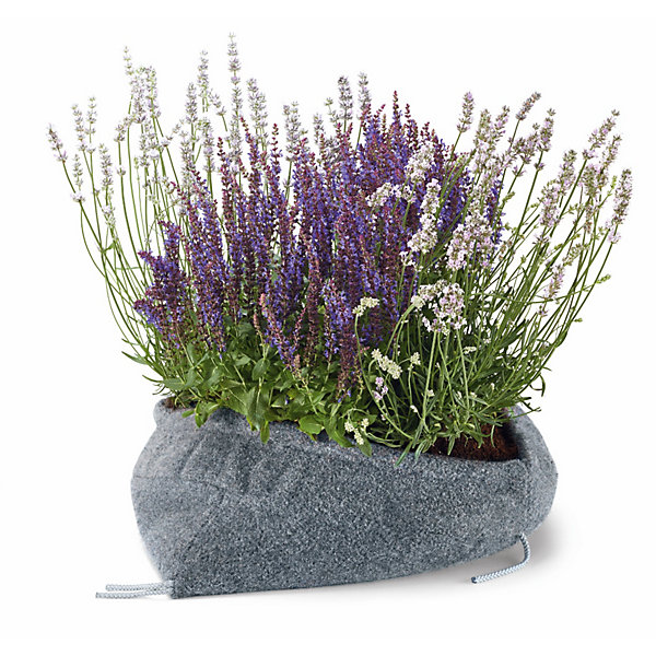 Plant Pouches Made of Recycled Carpet Remnants