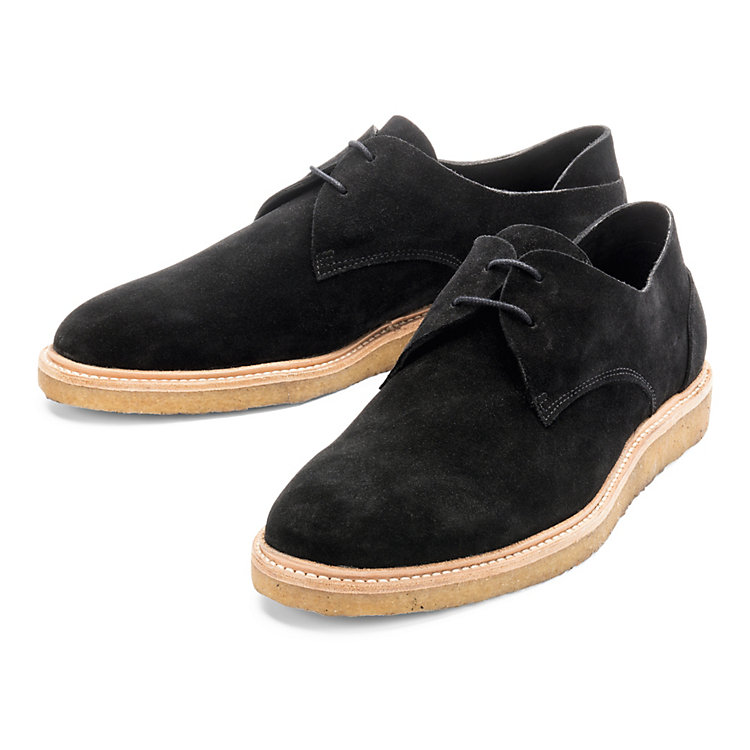 ekn Low Shoe with a Crepe Sole Black