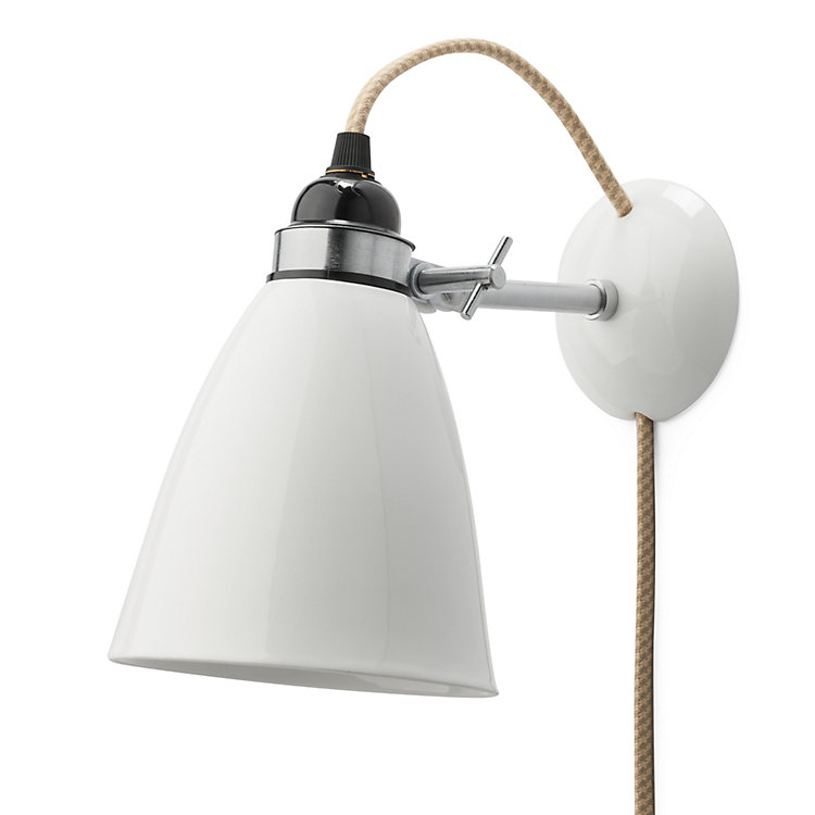 Smooth bone china wall lamp With textile cable