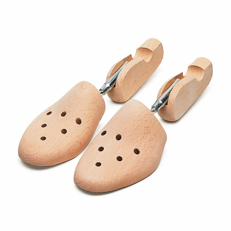 Threaded Wooden Shoe Trees